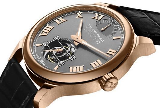 萧邦手表维修服务中心的手表展示