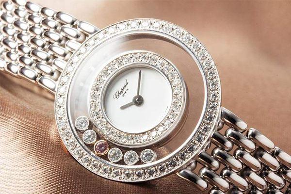 萧邦手表表壳的耐磨性